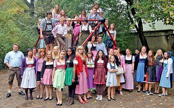 Haidhausen Bayerische Tradition Erhalten Tag Der Tracht An Der