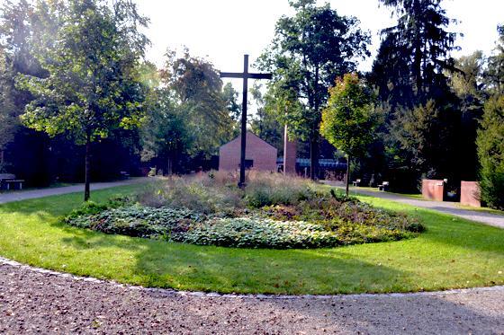 Haar Wiese Statt Waldstauden Nachbesserung Im Haarer Waldfriedhof