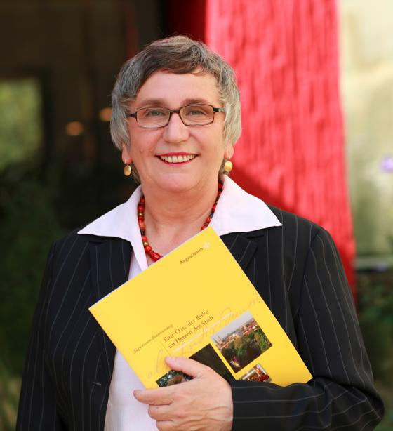 Elke Schmidt hasenbergl elke schmidt kehrt zurück die 58 jährige leitet