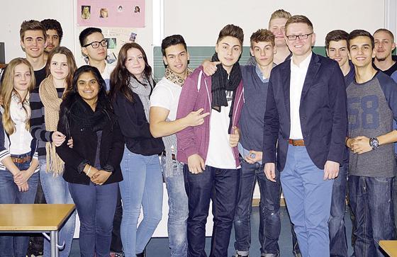 Haidhausen Wolfgang Stefinger Besucht Schüler Abschlussgeschenk