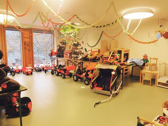 neubiberg am 30 januar tische reservieren kinderflohmarkt. Black Bedroom Furniture Sets. Home Design Ideas