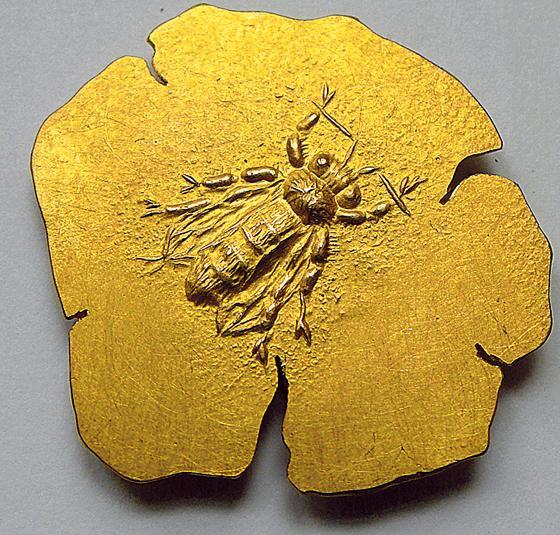 Maxvorstadt Ausstellung Bienengold In Der Galerie Handwerk Honig Schmuck Und Keramik